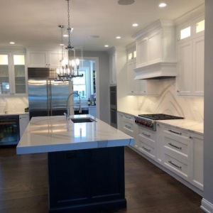 kitchen cabinet refacing & kitchen cabinets painting Chicago